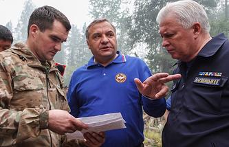 Глава МЧС РФ Владимир Пучков  и глава Бурятии Вячеслав Наговицын