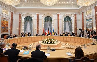 """Встреча лидеров """"нормандской четверки"""" в Минске в феврале 2015 года"""