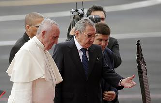 Папа римский Франциск и президент Кубы Рауль Кастро