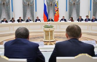 Президент РФ Владимир Путин на встрече с представителями российских деловых кругов