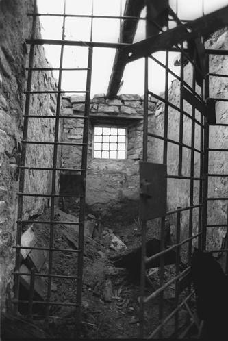 Барак усиленного режима в лагере Бутугычаг на Колыме, 1989 год