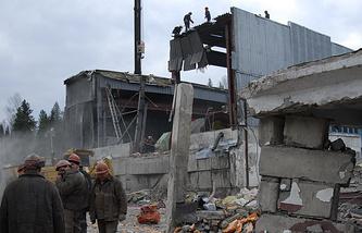 """Работы по ликвидации последствий аварии на шахте """"Распадская"""", 2010 год"""
