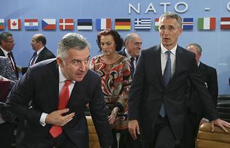 Мило Джуканович и Йенс Столтенберг (слева направо)
