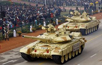 Танки Т-90С на праздновании Дня республики в Индии, 2014 год