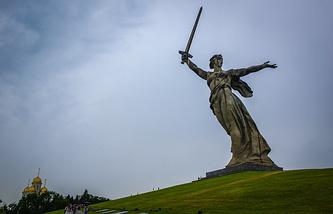 """Монумент """"Родина-мать зовет!"""" в Волгограде"""