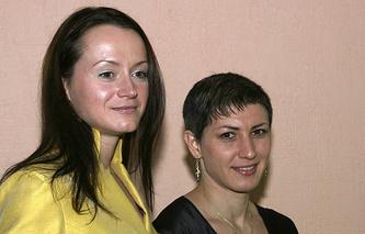 Елена Слесаренко (слева)