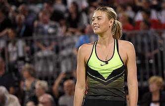 Мария Шарапова во время выставочного матча в Лас-Вегасе, октябрь 2016 года