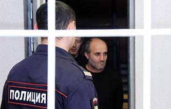 Во время избрания меры пресечения фигурантам дела о массовом отравлении алкогольным суррогатом в Иркутске