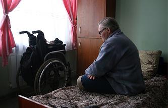 Инвалид в центре социальной адаптации