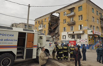 На месте взрыва бытового газа в Волгограде, 16 мая