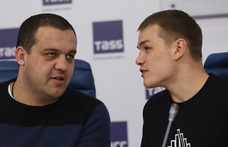 Умар Кремлев и российский боксер-профессионал Федор Чудинов
