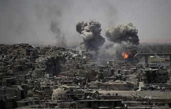 Авиация наносит удары по позициям ИГ в Мосуле