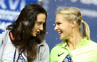 Мария Ласицкене и Дарья Клишина (слева направо)