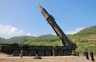 """МБР """"Хвасон-14"""" перед испытательным запуском, КНДР, июль 2017 года"""