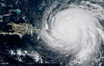 """Турбизнес Франции обеспокоен последствиями урагана """"Ирма"""" на Сен-Мартен и Сен-Бартельми"""