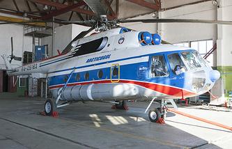 Российский вертолет Ми-8 на базе в Баренцбурге, Норвегия