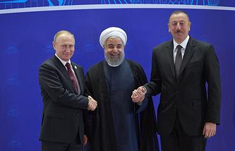 Президент России Владимир Путин, президент Ирана Хасан Роухани и президент Азербайджана Ильхам Алиев