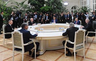 Встреча глав делегаций государств-участников Содружества Независимых государств (СНГ) в Кремле, 8 мая 2015 года