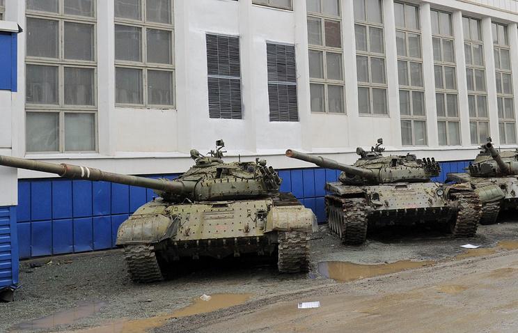 Tanks standing near Uralvagonzavod factory (archive)