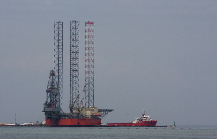 Oil drilling platform at the shore in Crimea (archvie)