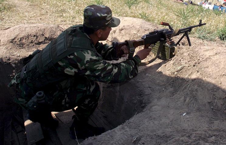A Kyrgyz border guard (archive)