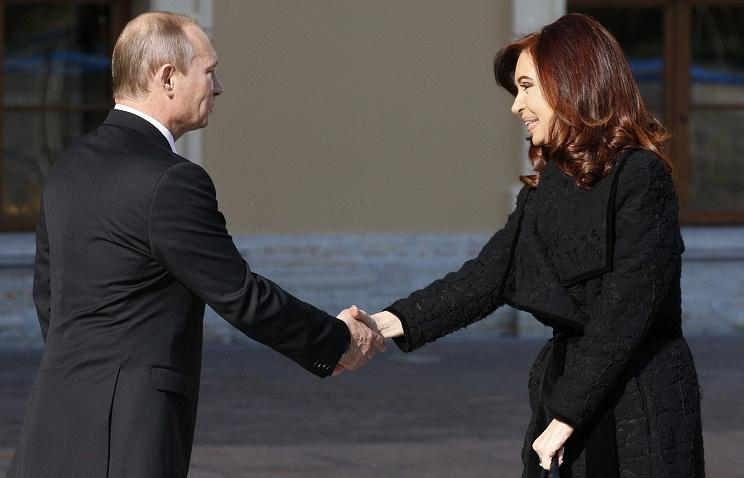 Russian President Vladimir Putin and Argentine President Cristina Fernandez de Kirchner