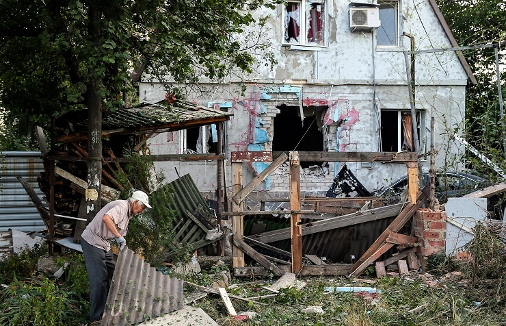 Aftermath of artillery attack on Donetsk