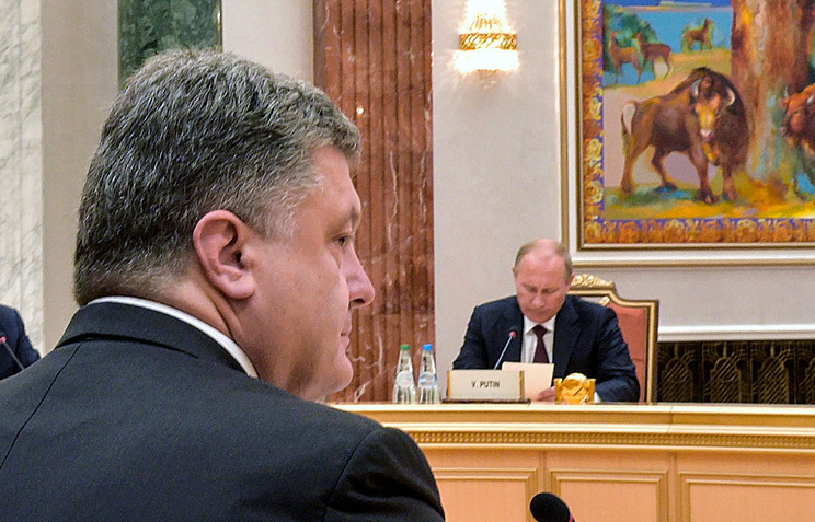 Petro Poroshenko and Vladimir Putin during a meeting in Minsk