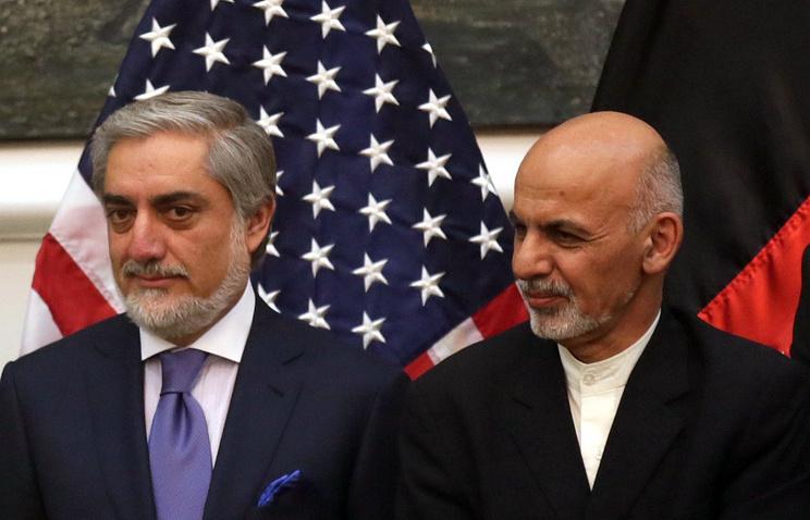 Afghan President Ashraf Ghani (R) and Chief Executive Dr. Abdullah Abdullah