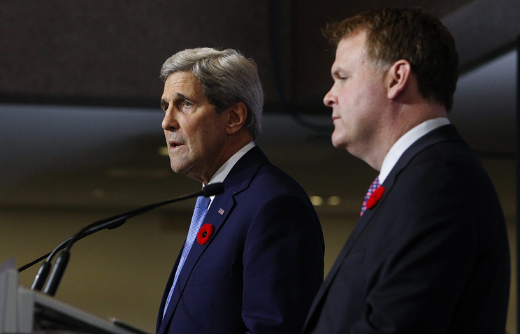 US Secretary of State John Kerry and Canadian Foreign Minister John Baird