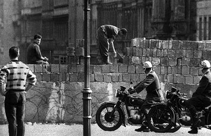 Building of Berlin Wall, 1961