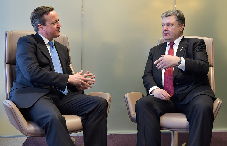 British Prime Minister David Cameron and President Petro Poroshenko of Ukraine