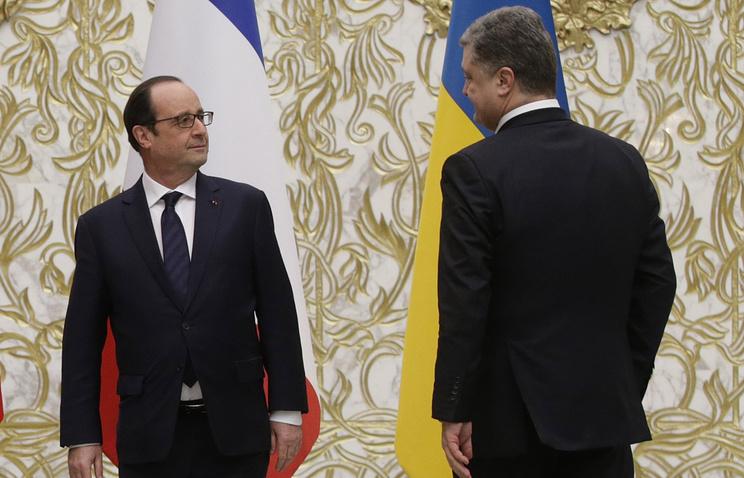 Francois Hollande and Petro Poroshenko (archive)