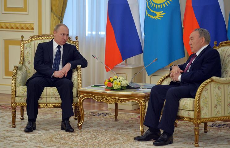 Russia's President Vladimir Putin and Kazakhstani President Nursultan Nazarbayev