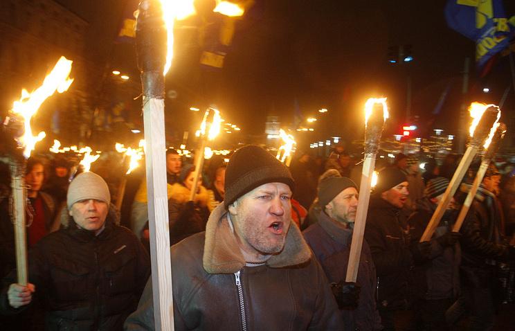 Ukrainian nationalists march in Kiev