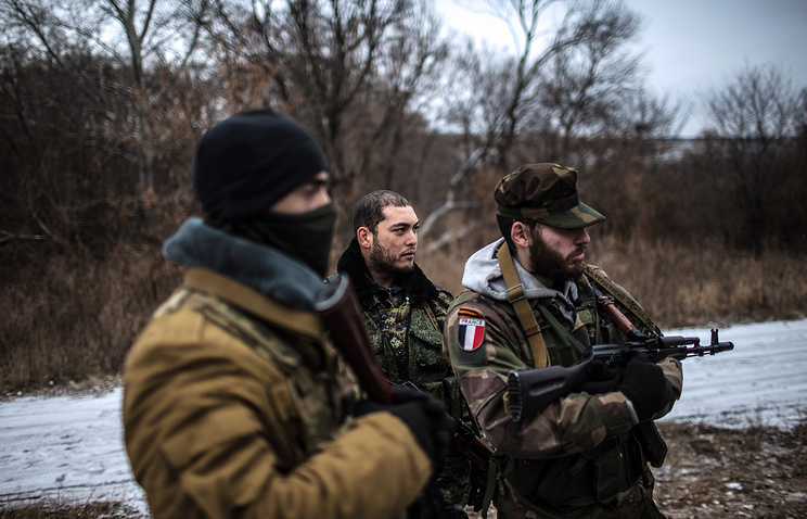 Militia fighters in east Ukraine (archive)