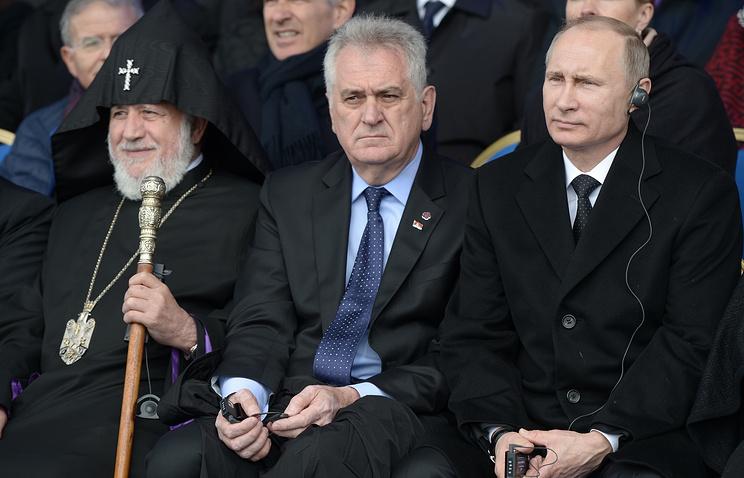 Karekin II, Supreme Patriarch and Catholicos of All Armenians, Serbia's president Tomislav Nikolic and Russia's president Vladimir Putin