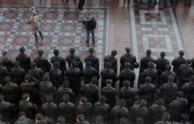 Police near the Ukrainian parliament building (archive)