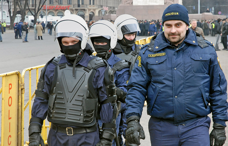 Latvian police officers (archive)