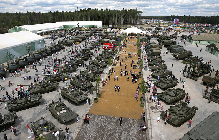 Military hardware on display at Army-2015 Forum