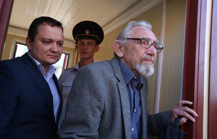 Boris Khodorkovsky (right)