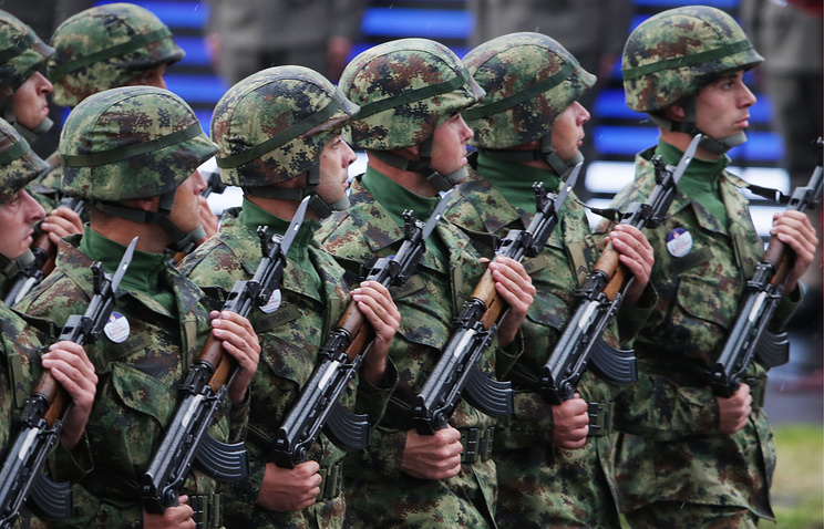 Serbian army soldiers