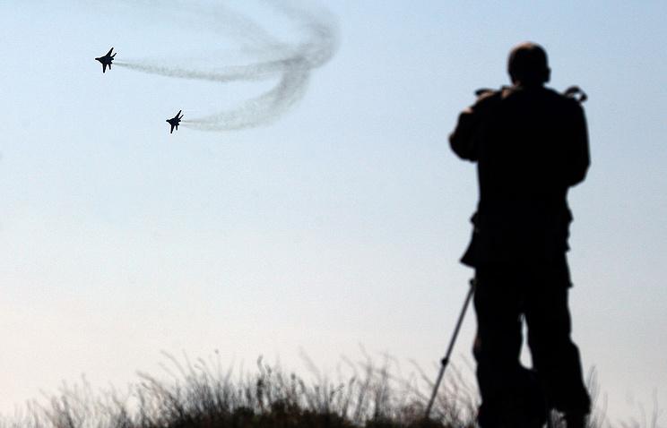 CIS military drills