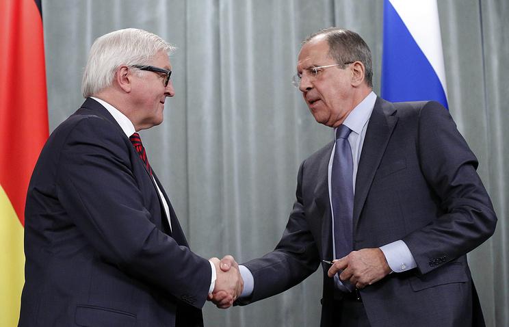Frank-Walter Steinmeier and Sergey Lavrov (archive)