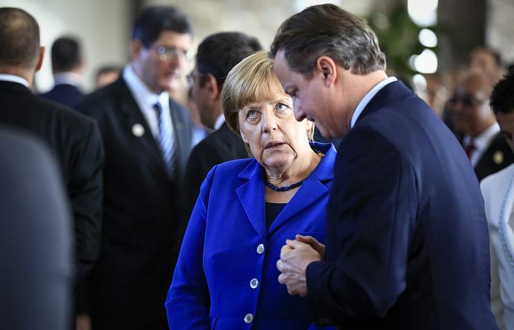 German Chancellor Angela Merkel and Britain's Prime Minister David Cameron