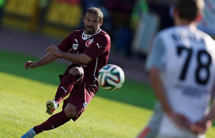 Rubin's player Gokdeniz Karadeniz in action