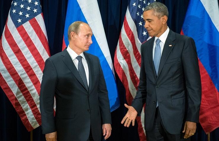 Russia's President Vladimir Putin and US President Barack Obama (archive)