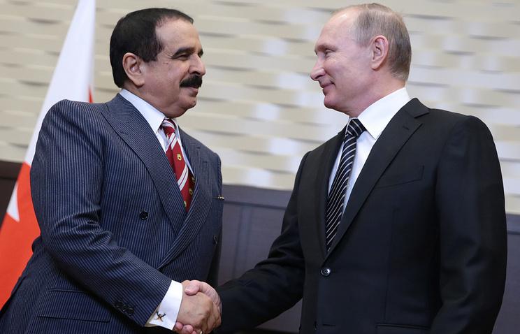 King Hamad bin Isa Al Khalifa of Bahrain and Russian President Vladimir Putin