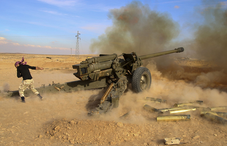 Syrian government troops fire at terrorists' positions near Mahin