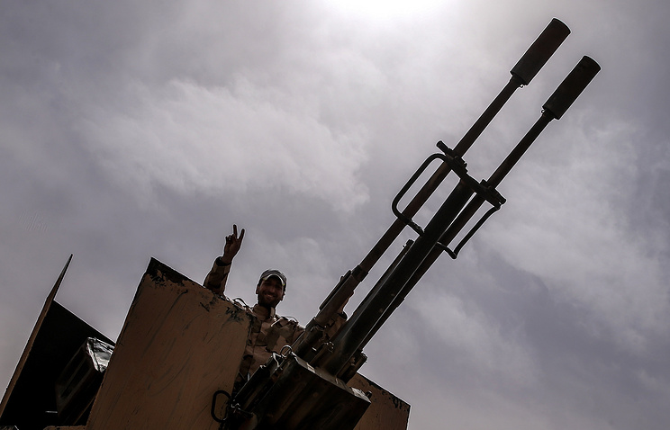A Syrian government army soldier